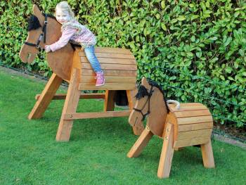 Wooden horse in 2 sizes