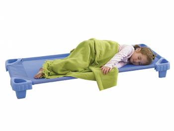 Stackable children bed with sleeping child