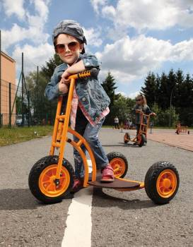 tricycle scooter bengy with little cool boy