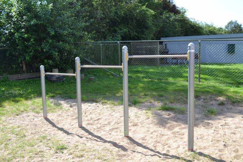 Stepwise 3 heights on the playground