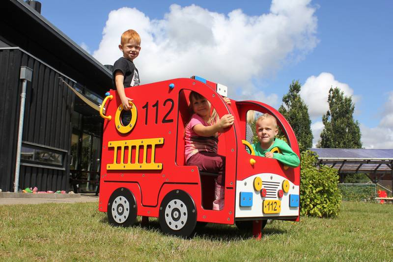 Playmobile fire department with playing children in action