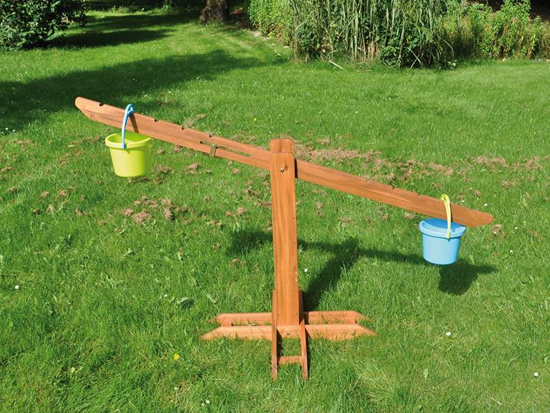 Portable garden scale, wooden beam scales for children example with bucket not included