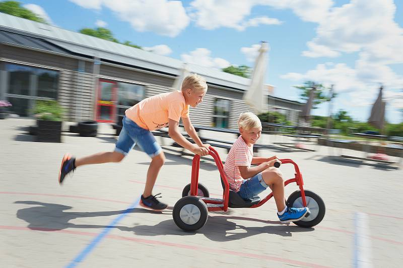 Viking Explorer BobKart with children on the playground in action
