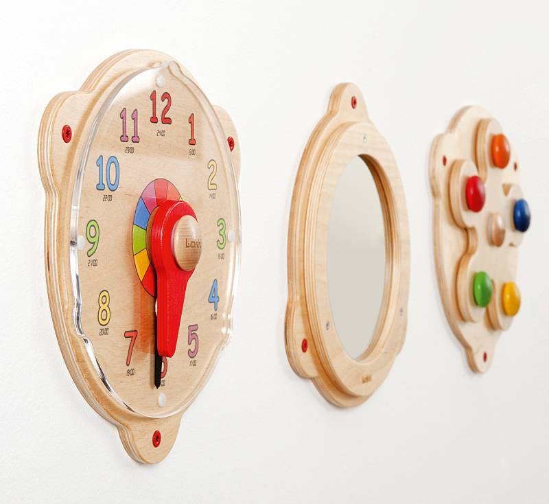 Pic4-Educational clock with other on the wall